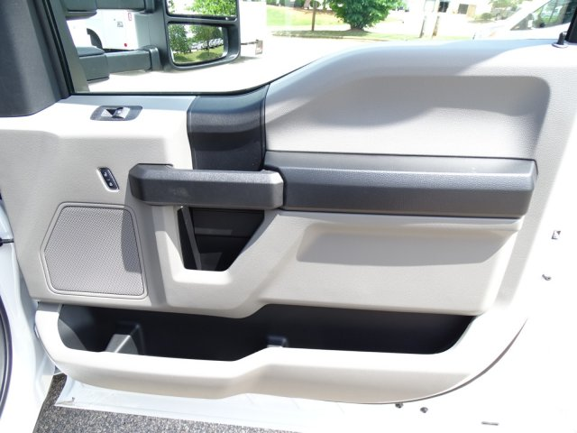 2018 F-350 Regular Cab DRW 4x2,  PJ's Truck Bodies & Equipment Dovetail Landscape #T890235 - photo 34