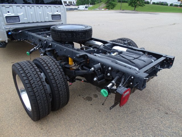 2018 F-550 Super Cab DRW 4x2,  Cab Chassis #T890270 - photo 36