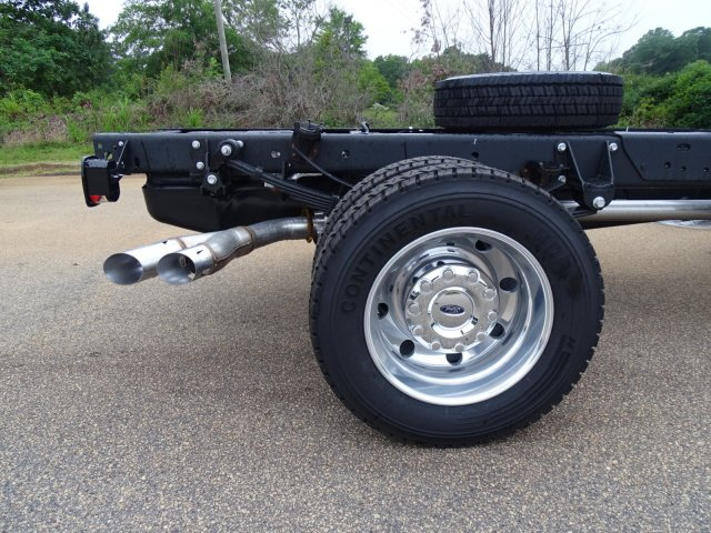 2018 F-550 Super Cab DRW 4x2,  Cab Chassis #T890270 - photo 37