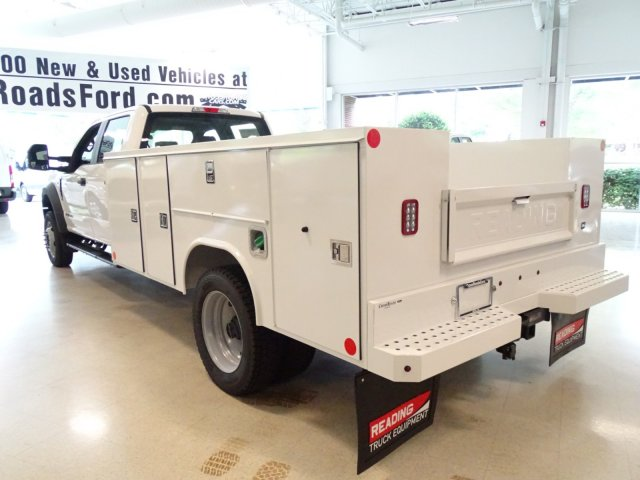 2018 F-550 Crew Cab DRW 4x4,  Reading Service Body #T890322 - photo 2