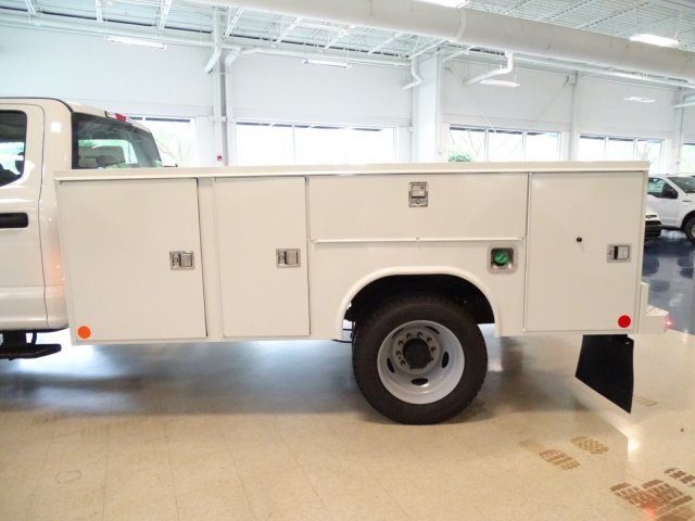 2018 F-550 Crew Cab DRW 4x4,  Reading Service Body #T890322 - photo 34