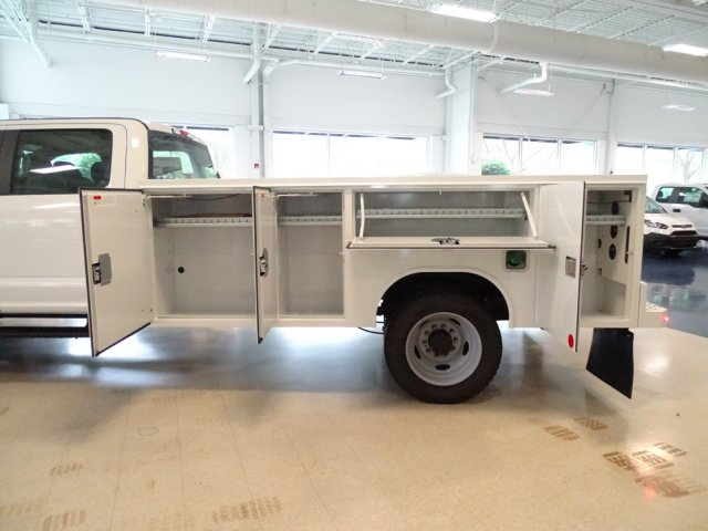 2018 F-550 Crew Cab DRW 4x4,  Reading Service Body #T890322 - photo 35