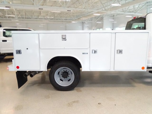 2018 F-550 Crew Cab DRW 4x4,  Reading Service Body #T890322 - photo 38