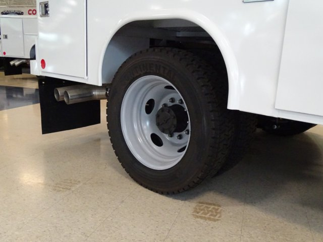 2018 F-550 Crew Cab DRW 4x4,  Reading Service Body #T890322 - photo 40
