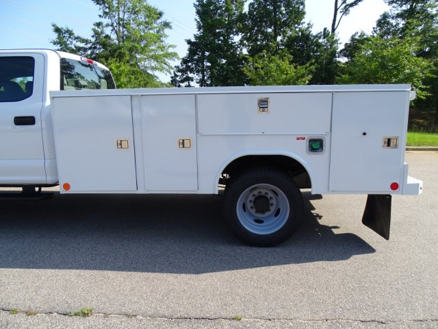 2019 F-550 Crew Cab DRW 4x2,  Reading Service Body #T979021 - photo 35