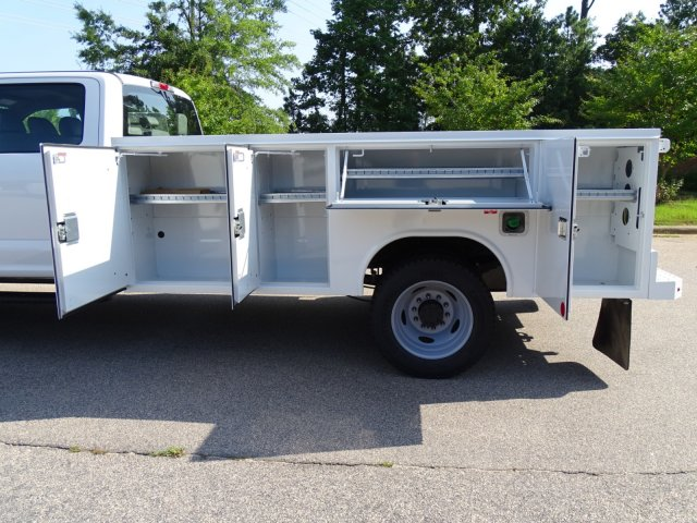 2019 F-550 Crew Cab DRW 4x2,  Reading Service Body #T979021 - photo 36