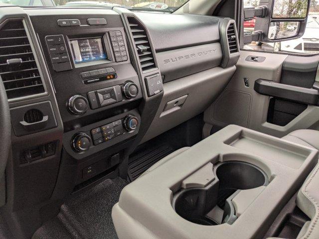 2019 Ford F-550 Crew Cab DRW 4x2, PJ's Platform Body #T980886 - photo 28