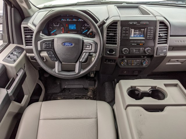 2019 Ford F-550 Crew Cab DRW 4x2, PJ's Platform Body #T980886 - photo 33