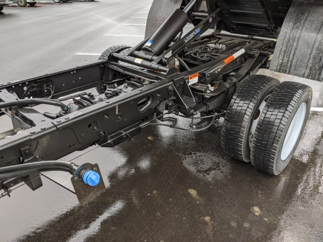 2019 Ford F-550 Crew Cab DRW 4x2, PJ's Platform Body #T980886 - photo 35