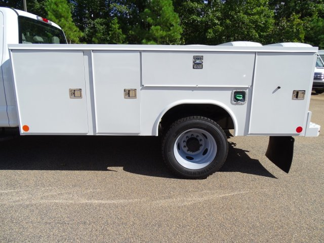 2019 F-450 Crew Cab DRW 4x2,  Reading Service Body #T989008 - photo 34