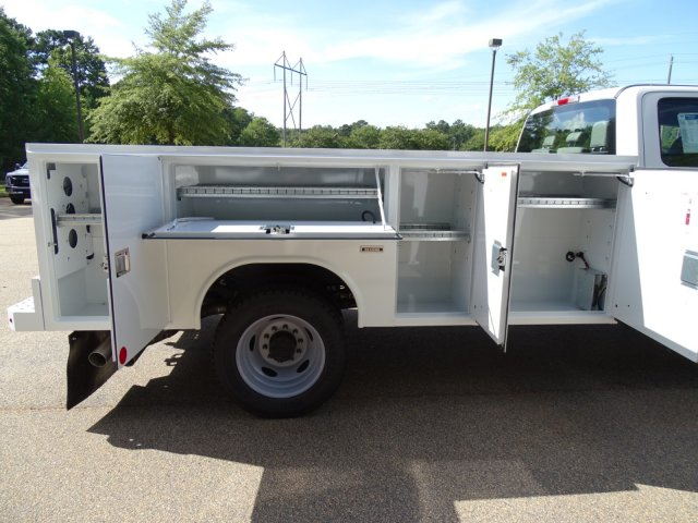 2019 F-450 Crew Cab DRW 4x2,  Reading Service Body #T989008 - photo 39