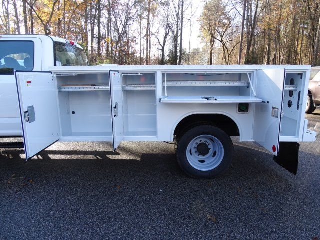 2019 F-450 Crew Cab DRW 4x4,  Reading SL Service Body #T989051 - photo 35