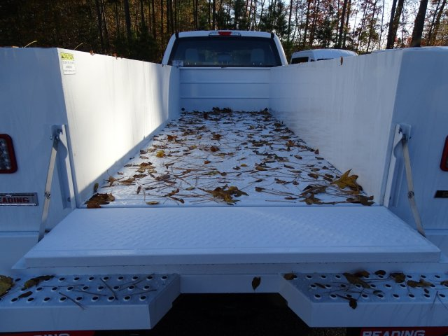 2019 F-450 Crew Cab DRW 4x4,  Reading SL Service Body #T989051 - photo 37