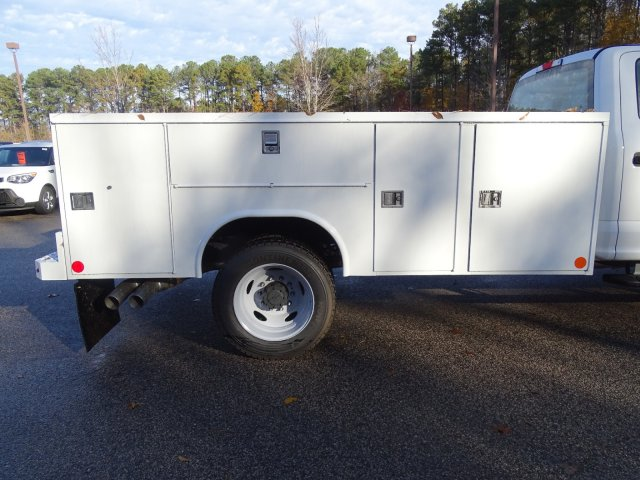 2019 F-450 Crew Cab DRW 4x4,  Reading SL Service Body #T989051 - photo 38