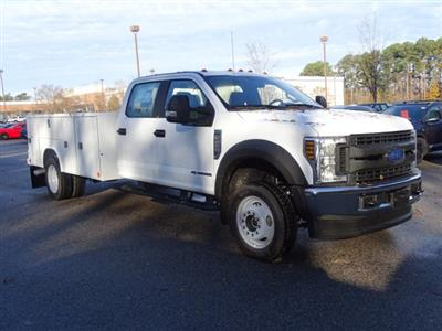 2019 F-450 Crew Cab DRW 4x4,  Reading SL Service Body #T989051 - photo 3