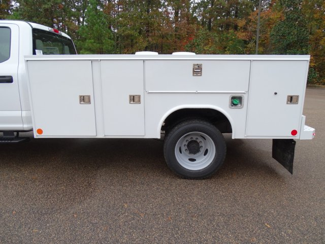 2019 F-450 Crew Cab DRW 4x2,  Reading Service Body #T989147 - photo 34