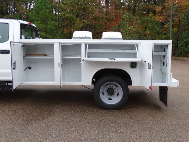 2019 F-450 Crew Cab DRW 4x2,  Reading Service Body #T989147 - photo 35