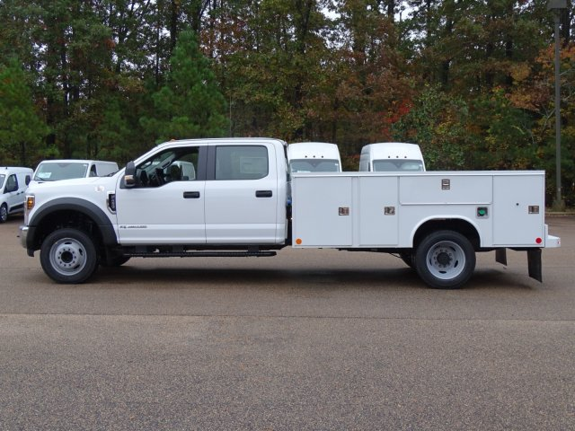 2019 F-450 Crew Cab DRW 4x2,  Reading Service Body #T989147 - photo 3