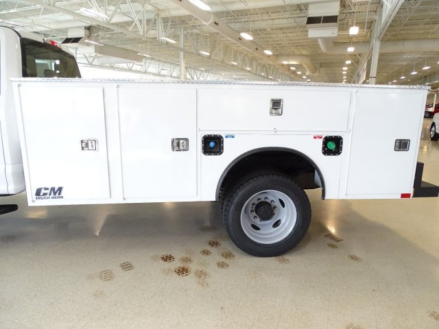 2019 F-450 Crew Cab DRW 4x2,  CM Truck Beds Service Body #T989193 - photo 30