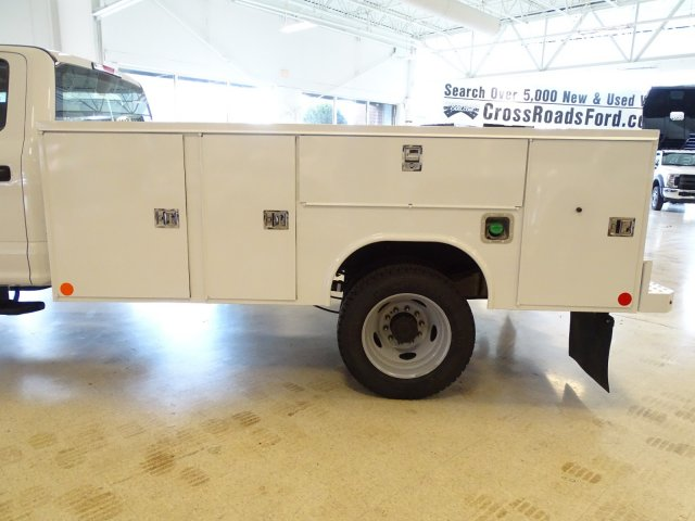 2019 F-450 Crew Cab DRW 4x2,  Reading Service Body #T989210 - photo 35
