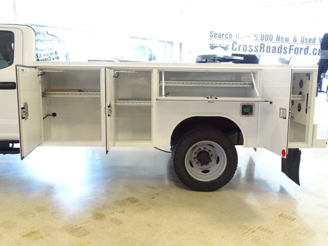 2019 F-450 Crew Cab DRW 4x2,  Reading Service Body #T989210 - photo 36