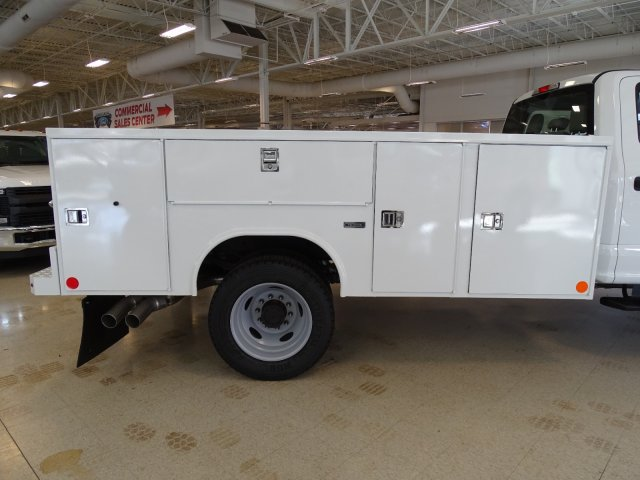 2019 F-450 Crew Cab DRW 4x2,  Reading Service Body #T989210 - photo 39