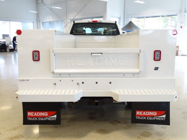 2019 F-450 Crew Cab DRW 4x2,  Reading Service Body #T989210 - photo 6