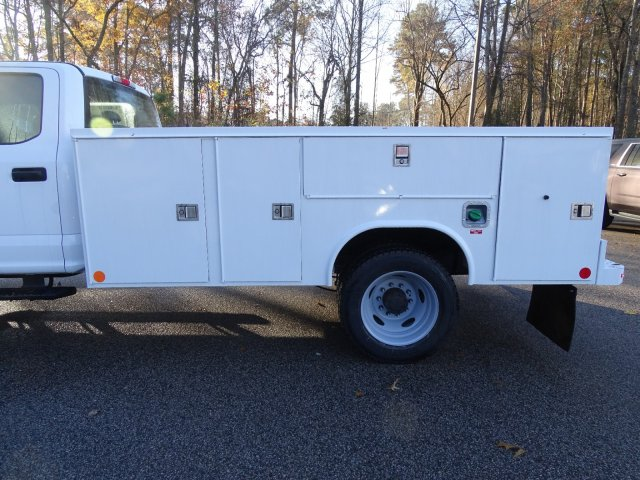 2019 F-450 Crew Cab DRW 4x4,  Reading SL Service Body #T989246 - photo 33