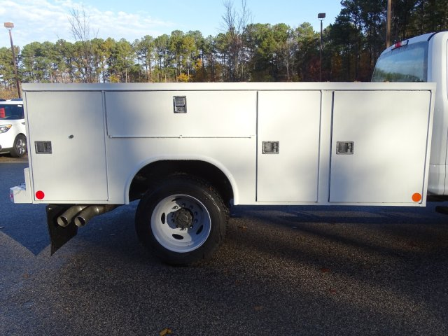 2019 F-450 Crew Cab DRW 4x4,  Reading SL Service Body #T989246 - photo 37