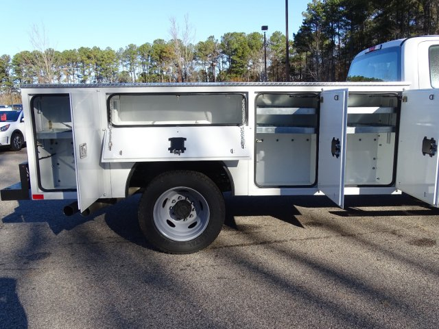 2019 F-450 Crew Cab DRW 4x2,  CM Truck Beds Service Body #T989317 - photo 38