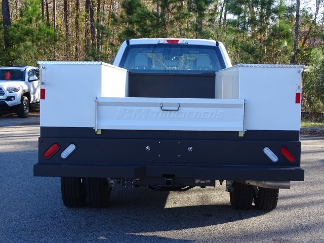 2019 F-450 Crew Cab DRW 4x2,  CM Truck Beds Service Body #T989317 - photo 2