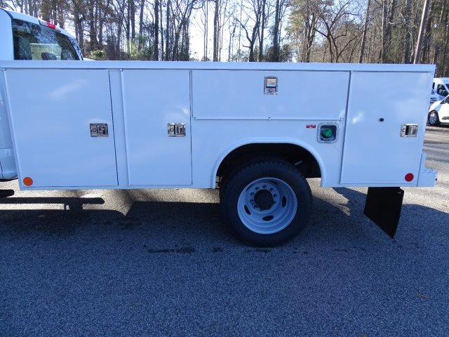 2019 F-450 Crew Cab DRW 4x2,  Reading Service Body #T989552 - photo 34
