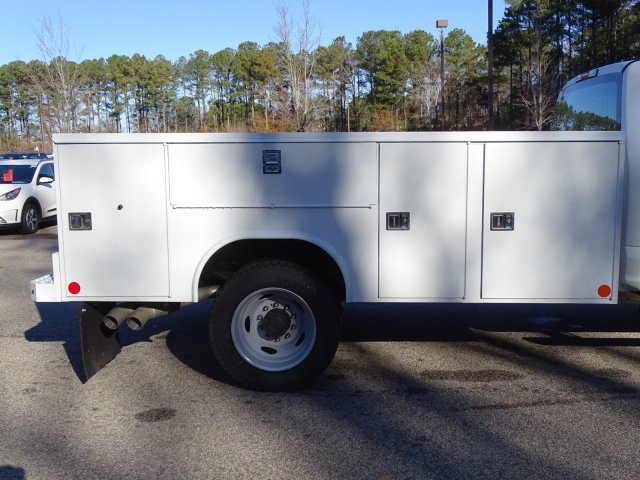 2019 F-450 Crew Cab DRW 4x2,  Reading Service Body #T989552 - photo 38