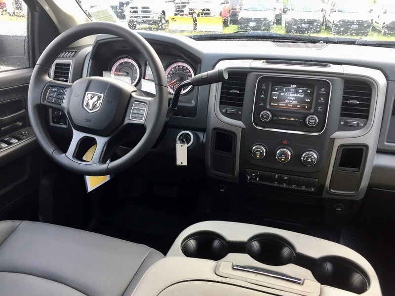 2018 Ram 3500 Crew Cab 4x4,  Cab Chassis #T18261 - photo 14
