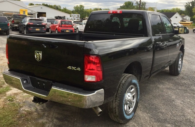 2018 Ram 3500 Crew Cab 4x4,  Pickup #T18271 - photo 3