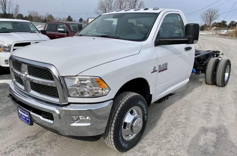 2018 Ram 3500 Regular Cab DRW 4x4,  Cab Chassis #T18337 - photo 1
