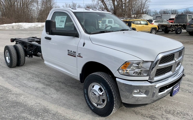 2018 Ram 3500 Regular Cab DRW 4x4,  Cab Chassis #T18337 - photo 4