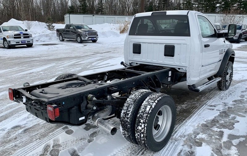 2018 Ram 5500 Regular Cab DRW 4x4,  Cab Chassis #T18344 - photo 3