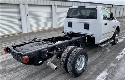 2018 Ram 3500 Regular Cab DRW 4x4,  Cab Chassis #T18352 - photo 3