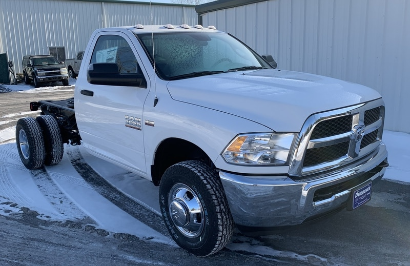 2018 Ram 3500 Regular Cab DRW 4x4,  Cab Chassis #T18354 - photo 4