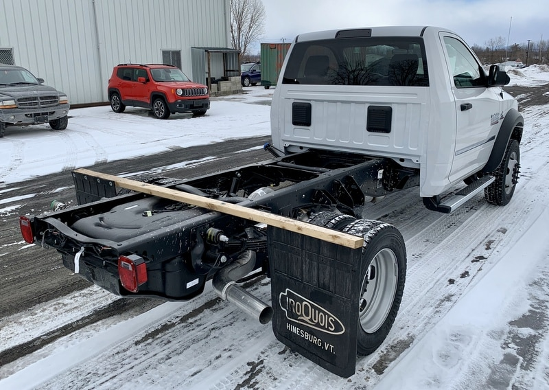 2018 Ram 5500 Regular Cab DRW 4x4,  Cab Chassis #T18355 - photo 3