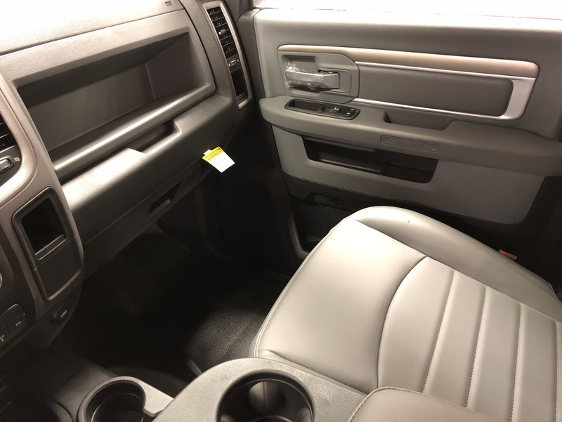 2018 Ram 5500 Regular Cab DRW 4x4, Cab Chassis #T1895 - photo 12