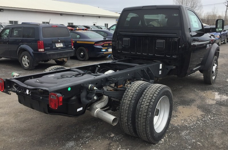 2018 Ram 5500 Regular Cab DRW 4x4, Cab Chassis #T1895 - photo 8