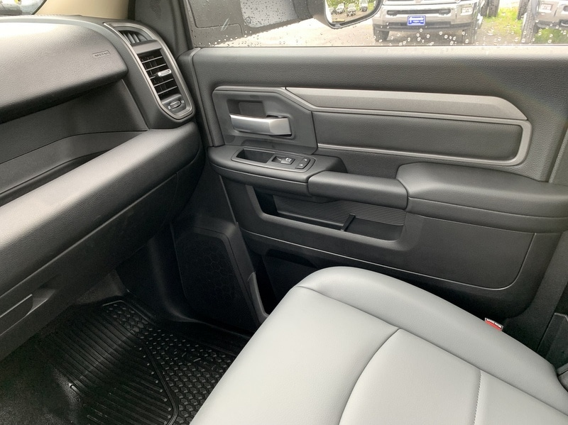 2019 Ram 5500 Regular Cab DRW 4x4,  Cab Chassis #T19214 - photo 12