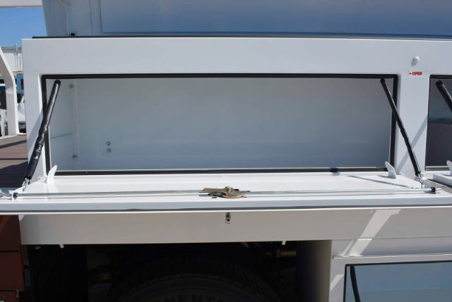 2016 F-450 Regular Cab DRW, Royal Contractor Body #1072923 - photo 15