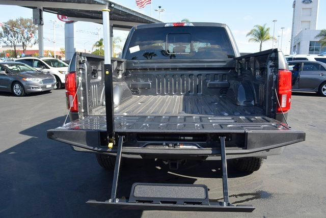 2018 F-150 SuperCrew Cab 4x4, Pickup #1090055 - photo 19