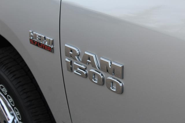 2017 Ram 1500 Crew Cab 4x4 Pickup #ND6707 - photo 6