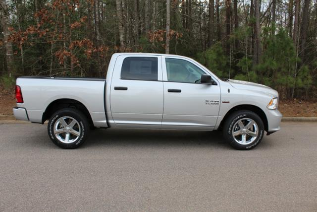 2017 Ram 1500 Crew Cab 4x4 Pickup #ND6707 - photo 8