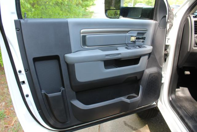 2017 Ram 3500 Regular Cab DRW, Knapheide Service Utility Van #ND6771 - photo 11