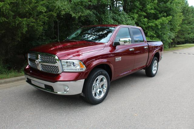 2017 Ram 1500 Crew Cab 4x4 Pickup #ND7113 - photo 1
